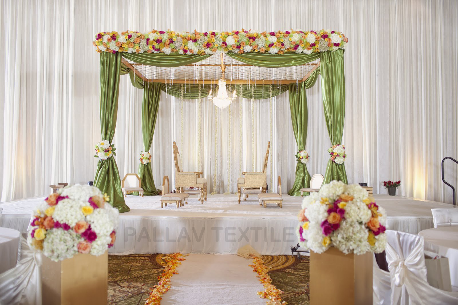 Indian wedding traditions modern inspiration party Simple flower decoration ideas